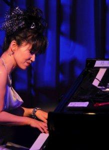 Легендарная японская пианистка Кейко Мацуи и оркестр Lords of the sound выступят в Минске