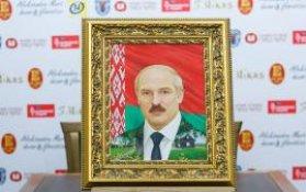Новый портрет Лукашенко кисти Никаса Сафронова одобрен